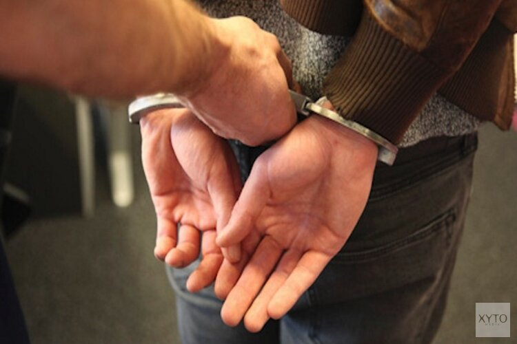 Arrestatieteam haalt verwarde man uit woning in Bovenkarspel