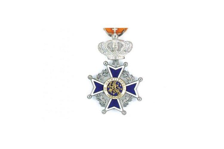 Zes Koninklijke onderscheidingen in Stede Broec