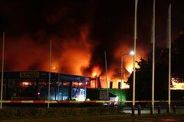 Uitslaande brand bij bedrijf in Grootebroek